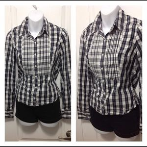Abercrombie & Fitch Button Down Long Sleeve Top